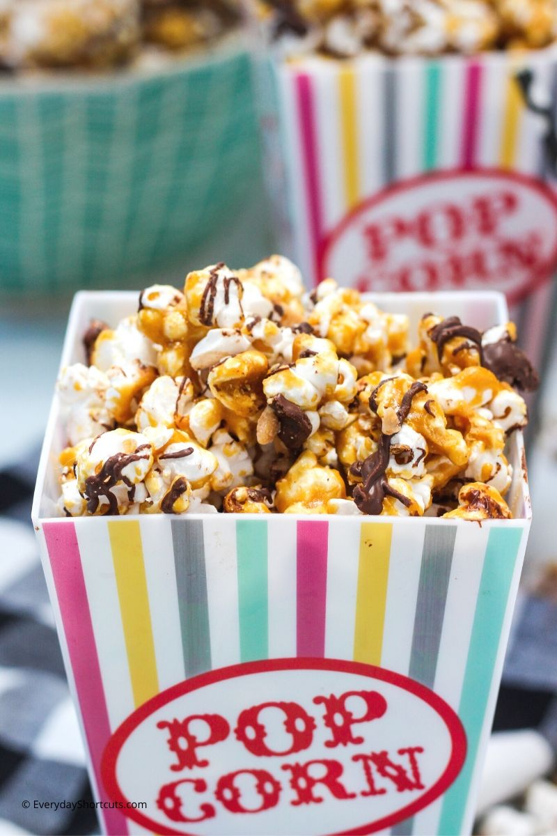 how to make Chocolate Toffee Popcorn