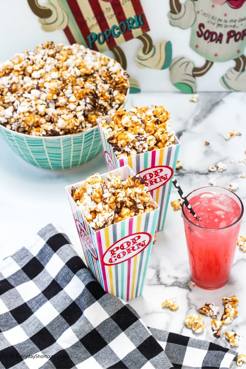 chocolate-toffee-popcorn