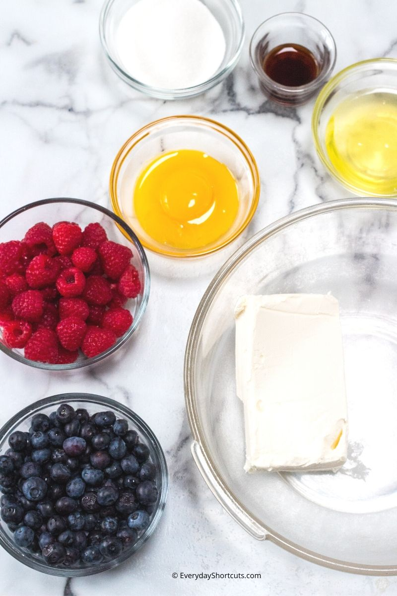 ingredients-to-make-berry-pastry