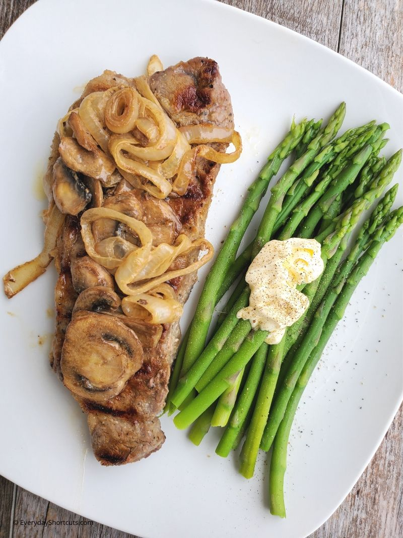 smothered-steak-in-mushrooms-and-onions
