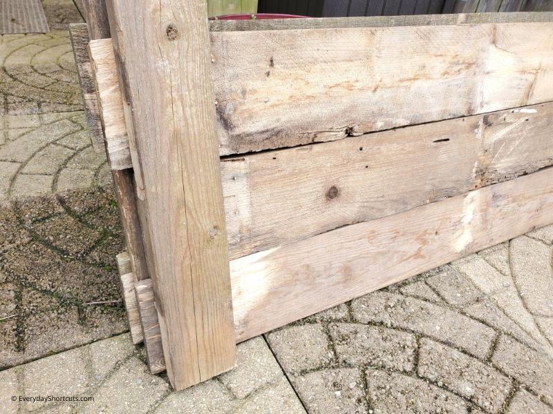 how-to-stagger-wood-pallets