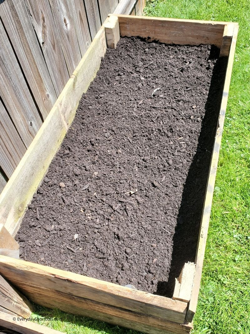 raised-garden-beds-from-pallets